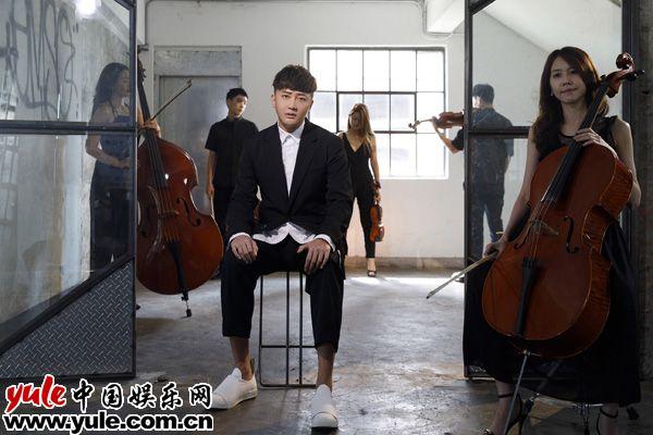 关喆新歌《念旧》MV演绎苦涩过往 名导操刀顶级弦乐团加盟资讯生活